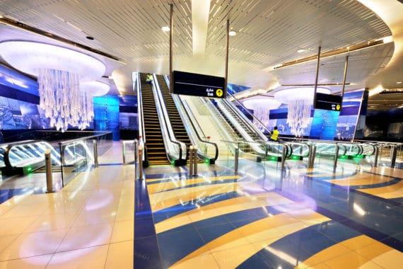 Dubai Metro: Neue Fahrzeiten und Stationen
