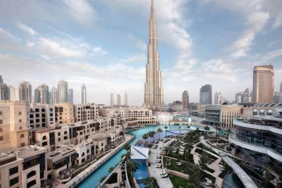 Virtueller Sprung vom Burj Khalifa in Dubai