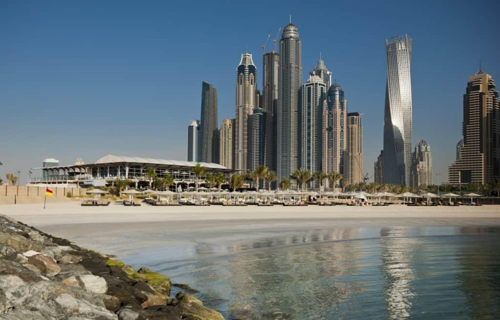 Dubai Mariana Strand und Skyline