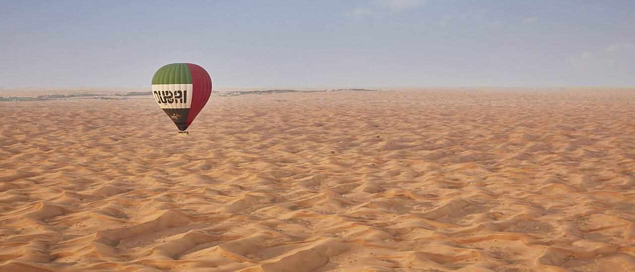 Dubai Ausflüge - Ballonfahrt über die Wüste