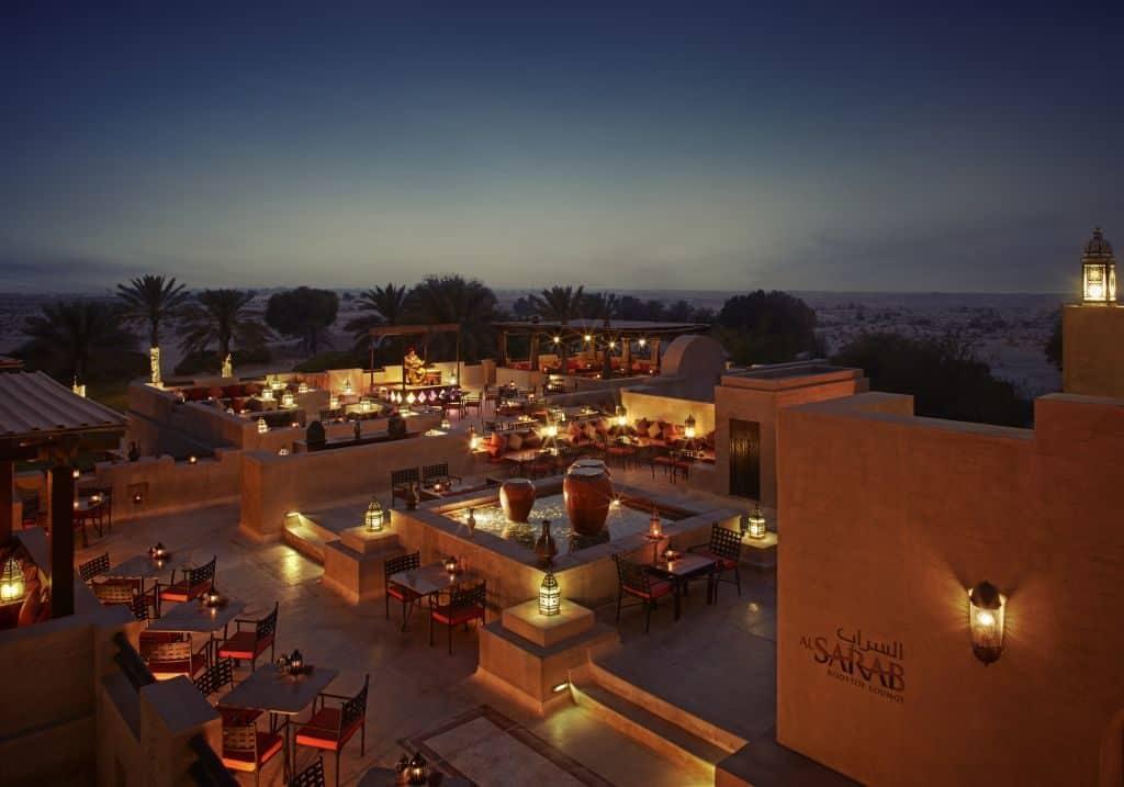 Blick auf Wüstenresort Bab Al Shams