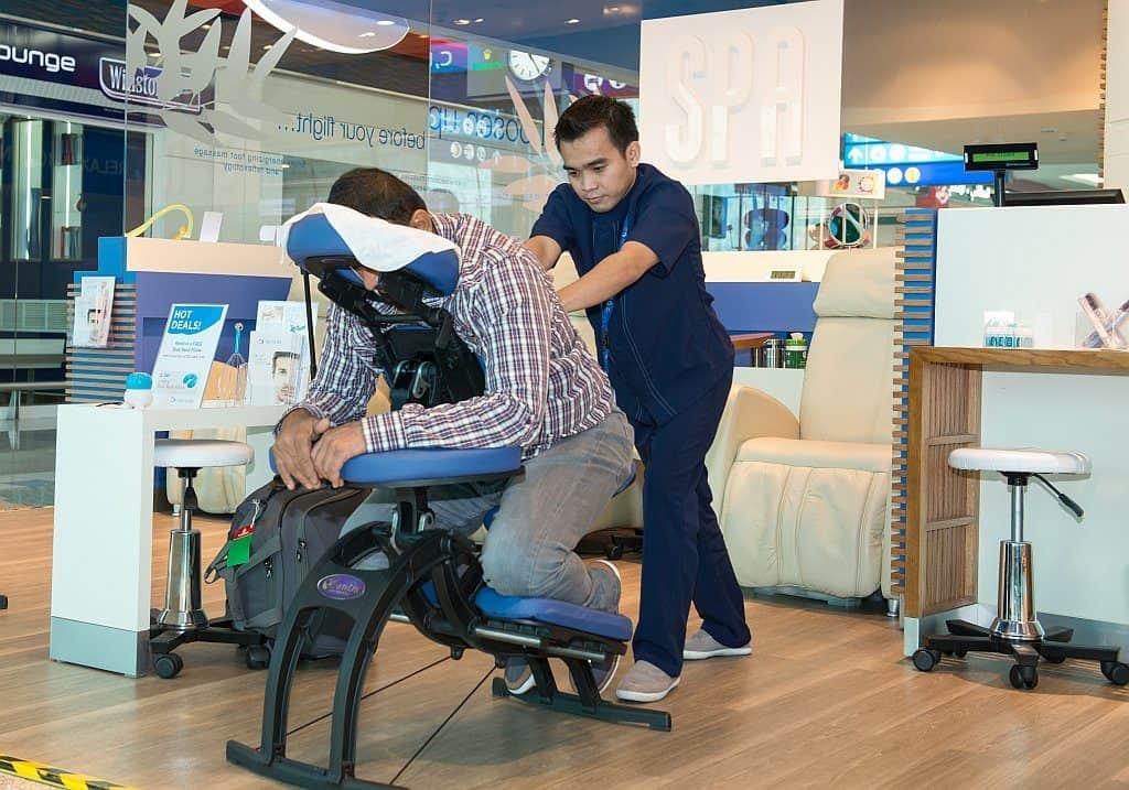 Massage im Flughafen Dubai