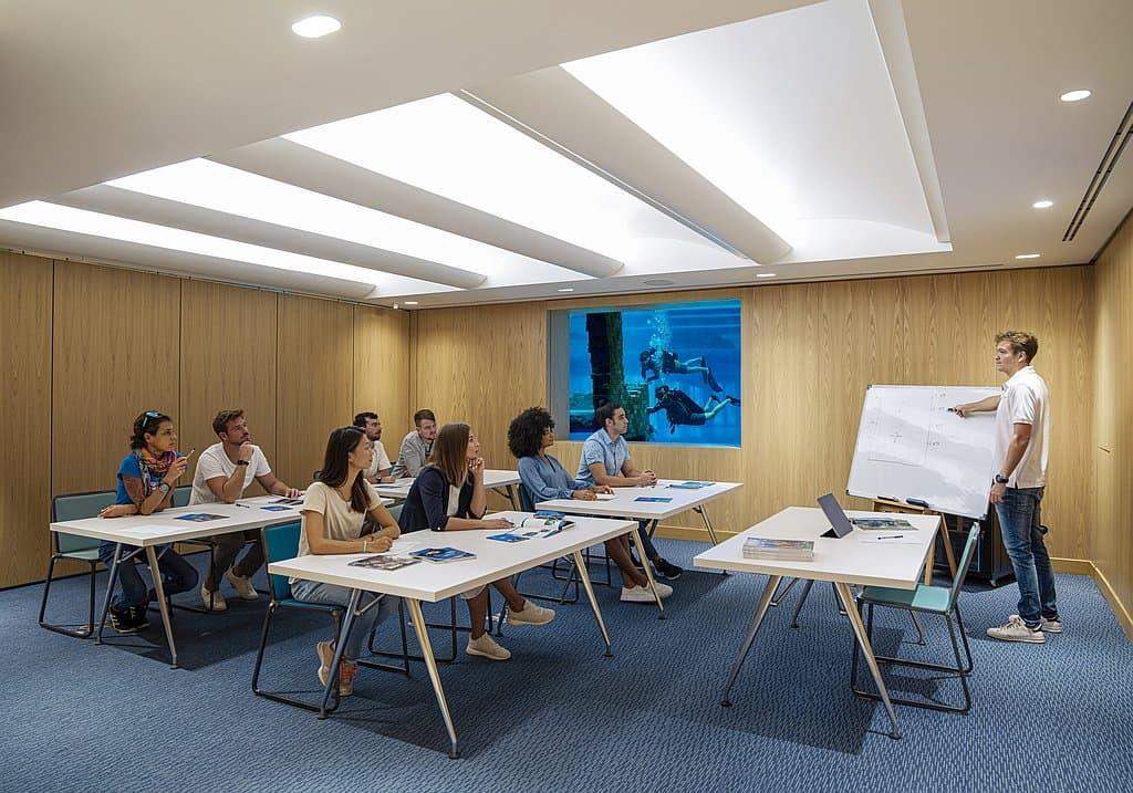 Tauhckurs Unterricht Dubai