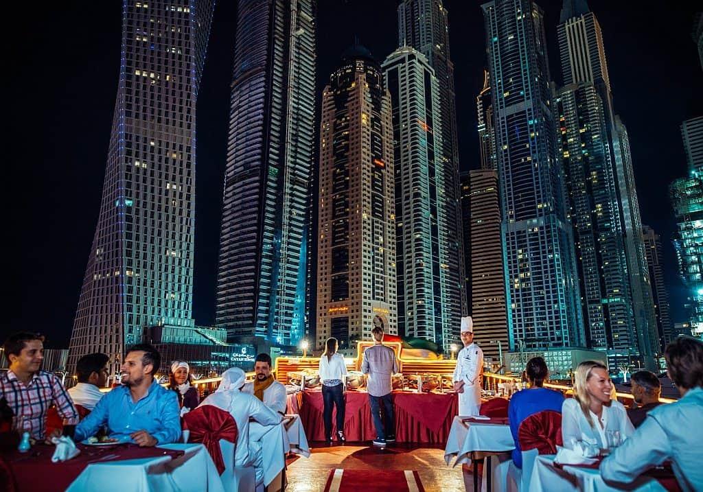 Abendessen Fähre Dubai Marina