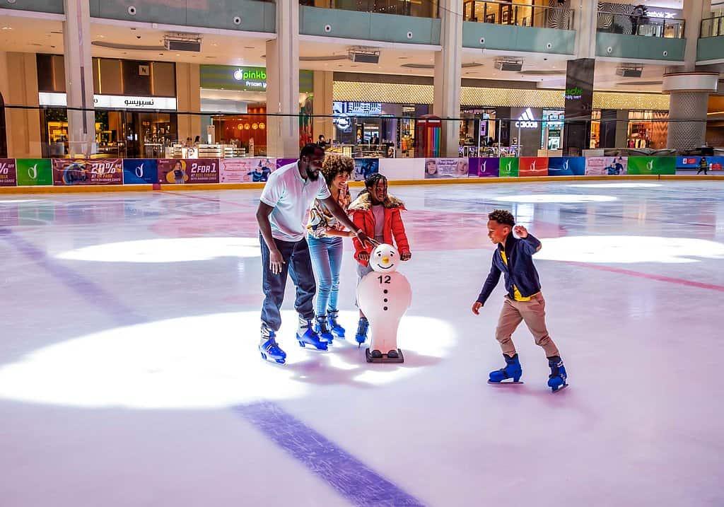 Dubai Eislaufbahn