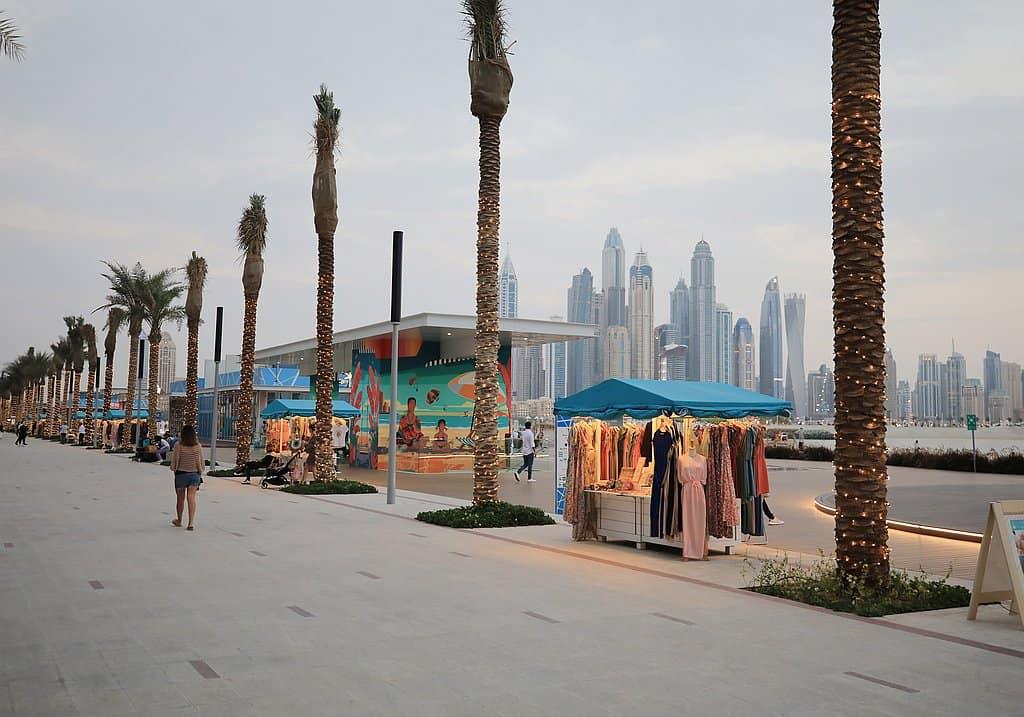 Palm West Beach Dubai Markstände