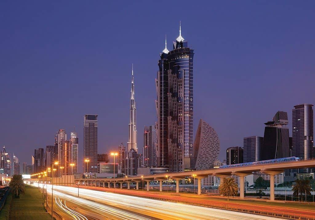 Dubai Nightlife Autofahren