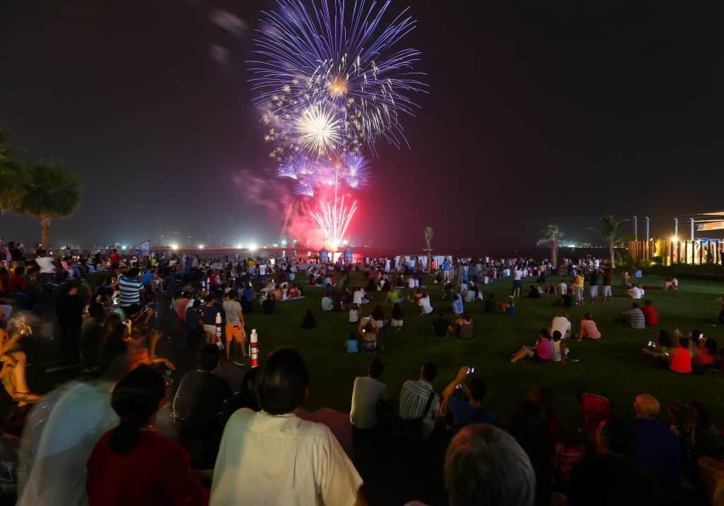 Dubai Feuerwerk Zuckerfest
