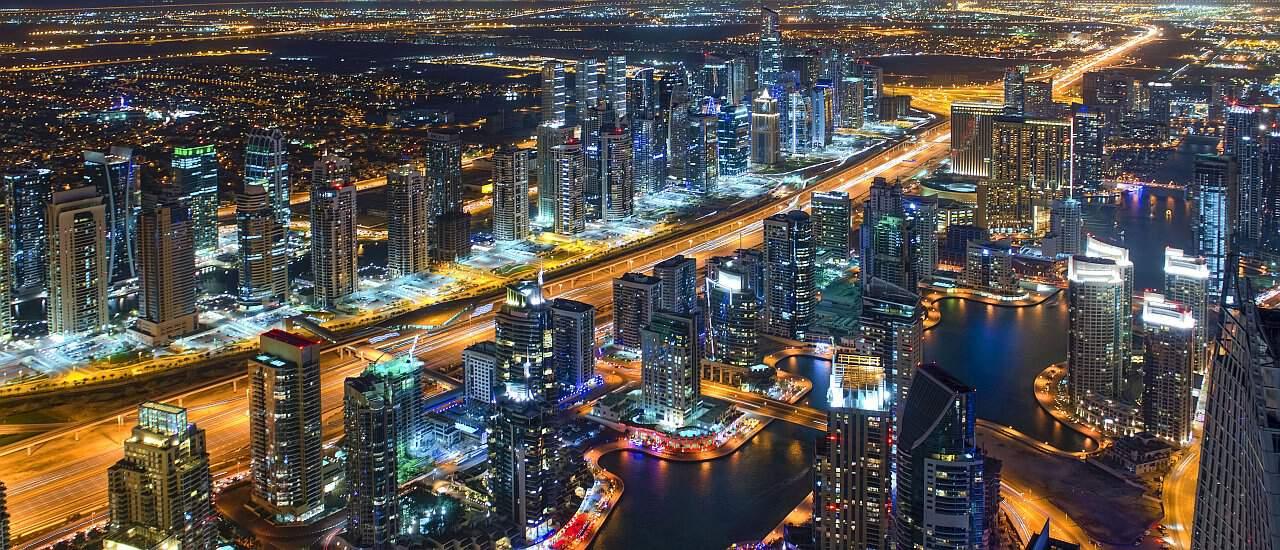 Nacht in der Dubai Marina