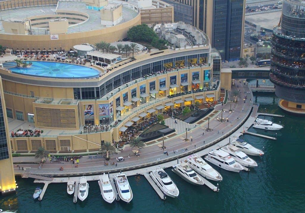 Dubai Marina Mall von oben