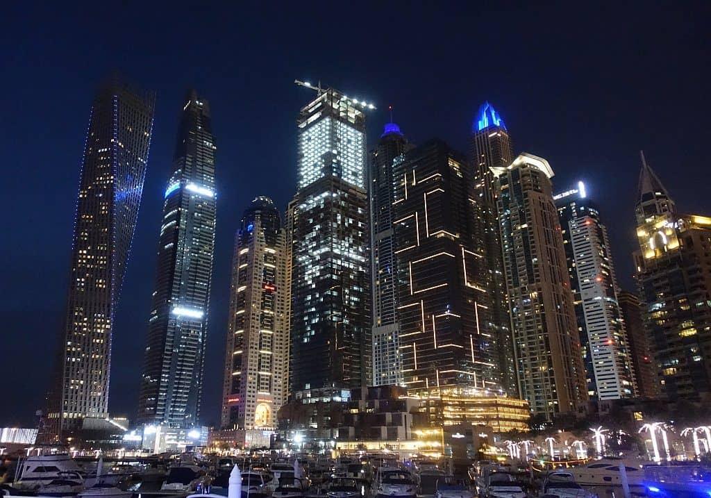 Dubai Marina Nachtpanorama