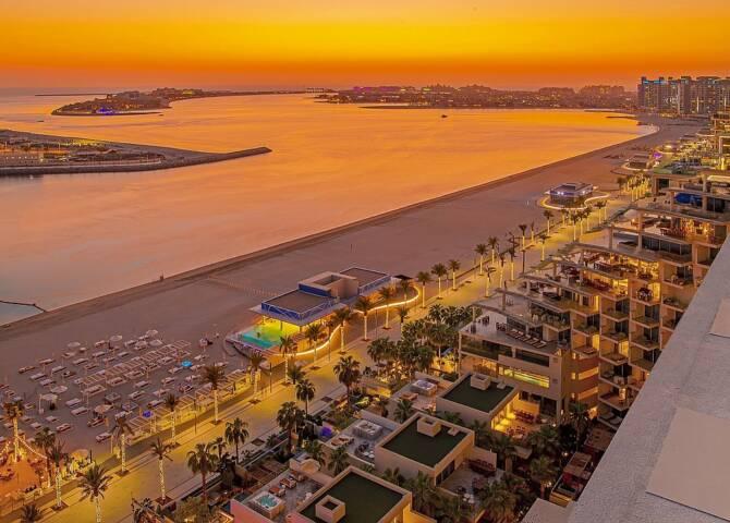 Palm West Beach Promenade