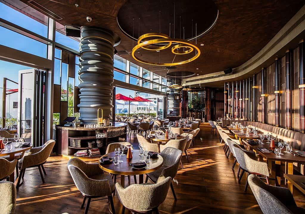 Restaurant im Address Sky View
