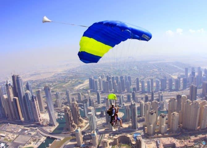 Fallschirmspringen Dubai
