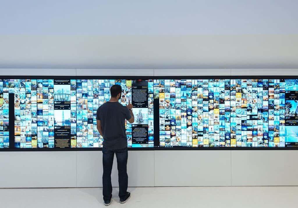 Digitale Museumswand The Frame Dubai