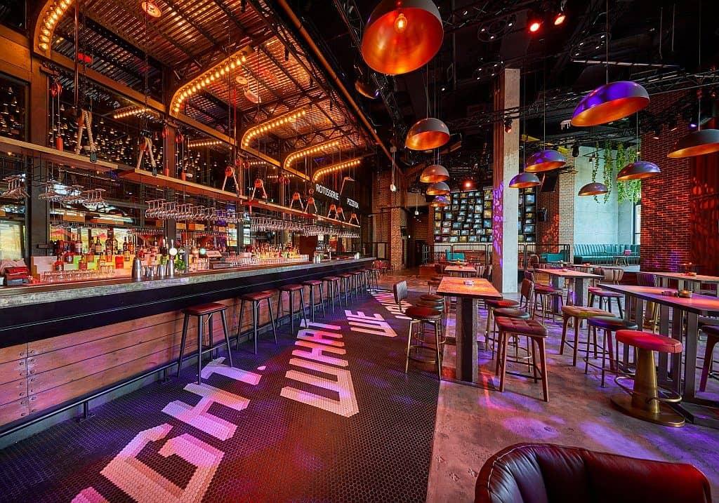 Bar im Wavehouse Dubai